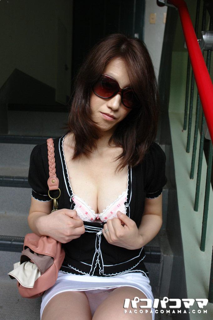 团地妻颜出NG的野外 中田亚美