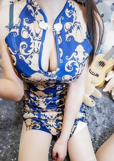 最新2020极品爆乳女神『麻酥酥哟』3月新作-销魂蓝色旗袍 巨乳翘挺 揉乳玩穴